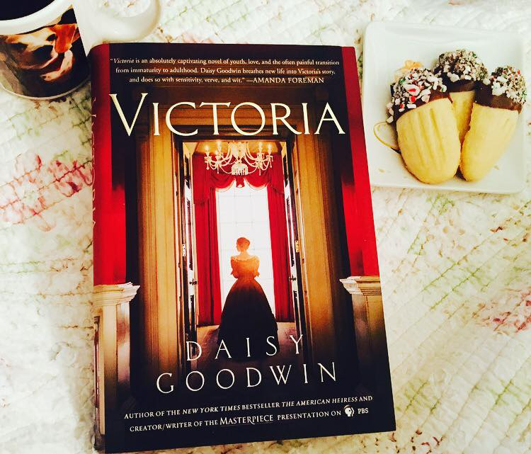 This image has an empty alt attribute; its file name is victoria.jpg